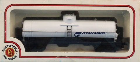 Lot #029 of HO Gauge 2 Tank car & 2 Caboose & Box Car Bachmann #HOLOT029U N/A Bachmann