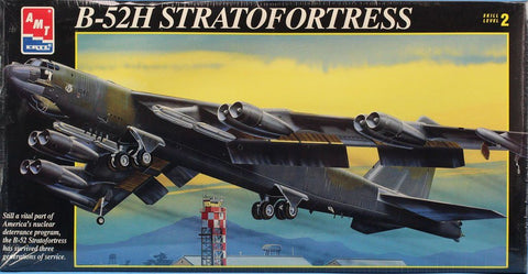 AMT ERTL 1:72 B-52H Stratofprtress Plastic Aircraft Model Kit #8623