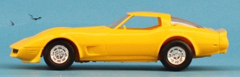AMT 1:25 1:24 1980 Corvette Yellow Built Model #5-8066 N/A AMT