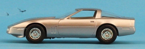 AMT 1:25 1:24 1984 Corvette Silver Built Model #5-8393 N/A AMT