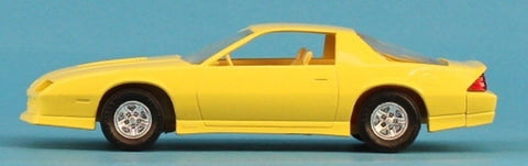 AMT 1:25 1:24 1985 Camaro Yellow Built Model N/A AMT