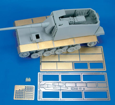 Royal Model 1:35 Sturer Emil Detail Set Part 2 - For Trumpeter- PE Set #482 N/A Royal Model