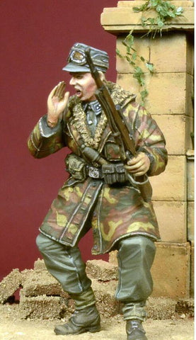 D-day Miniature 1:35 Screaming WSS Officer in Anorak 1944-45 - Resin Kit #35050 N/A D-day Miniature