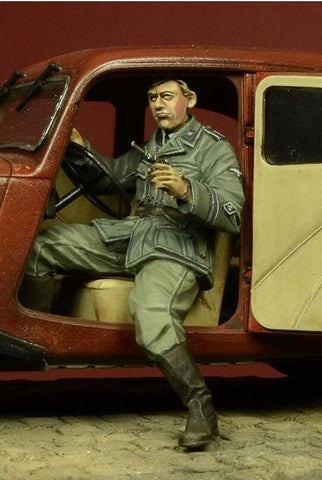 D-day Miniature 1:35 German SD Driver for Citroen 11CV - Resin Figure #35053 N/A D-day Miniature