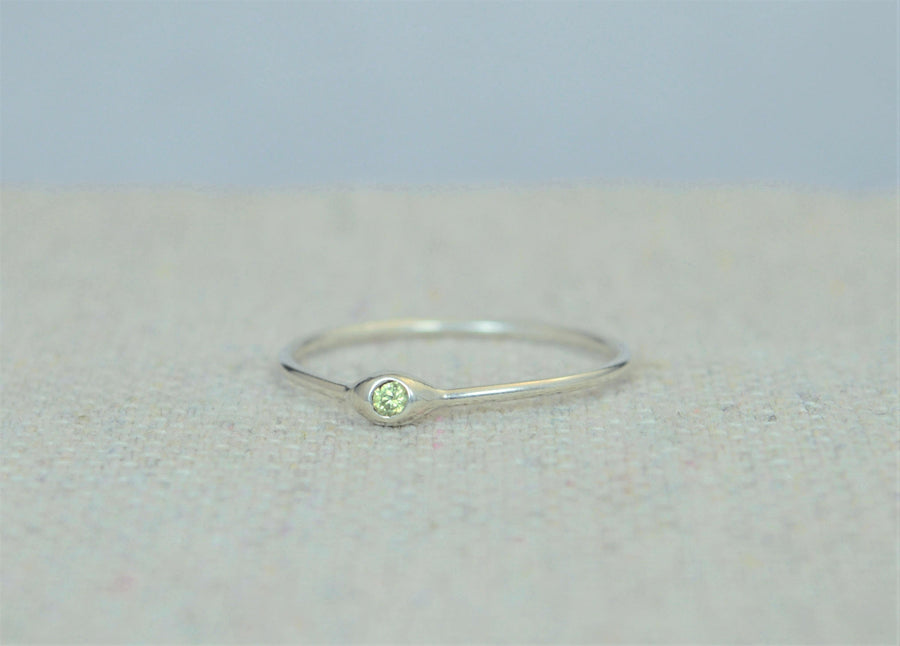 Dainty Silver Peridot Mother's Dew Drop Ring