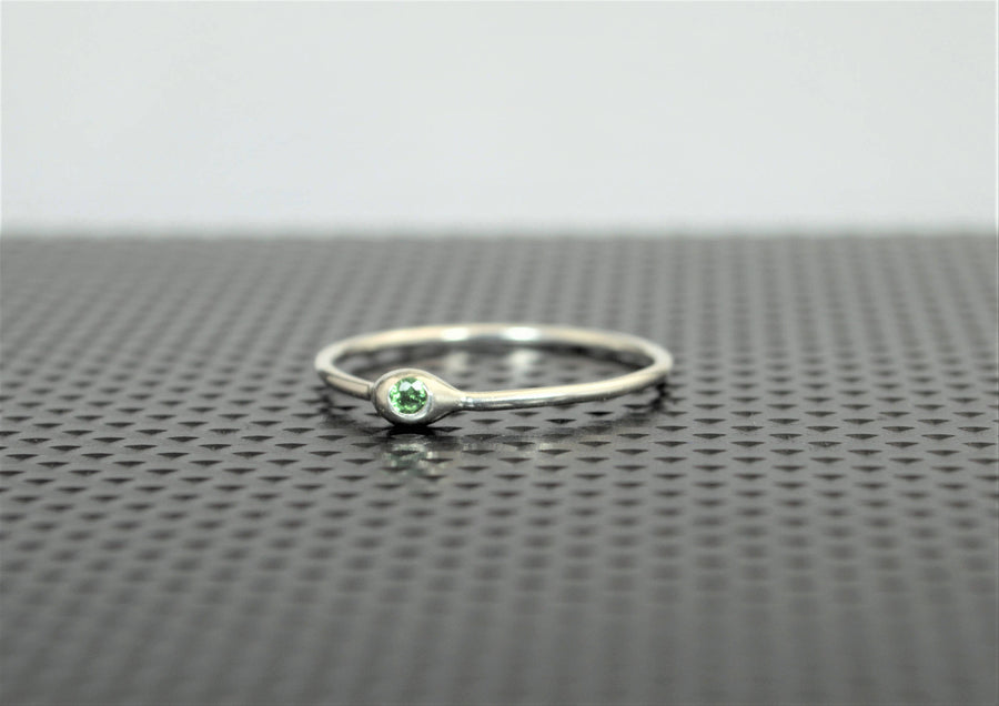 Dainty Silver Emerald Mother's Dew Drop Ring