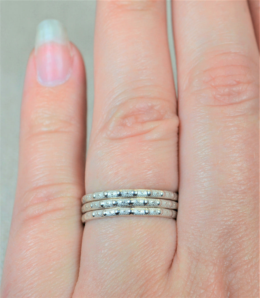 Elegant Silver Wedding Band