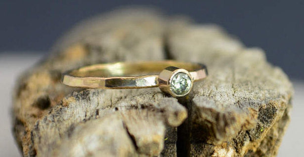 Classic Solid 14k Gold Peridot Ring