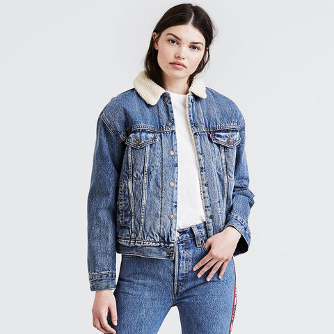 LEVI'S - Ex - Boyfriend Sherpa Trucker Jacket - ADDICTED TO LOVE