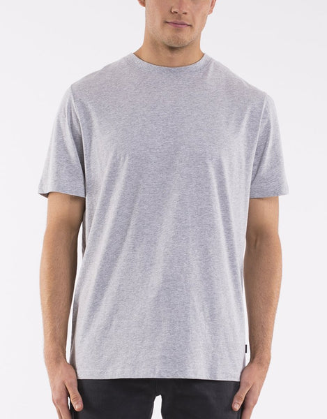 SILENT THEORY - A relaxed fit tee grey marle