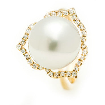 Yellow Gold Ring with Natural Australian South Sea Pearl and a Diamond Halo