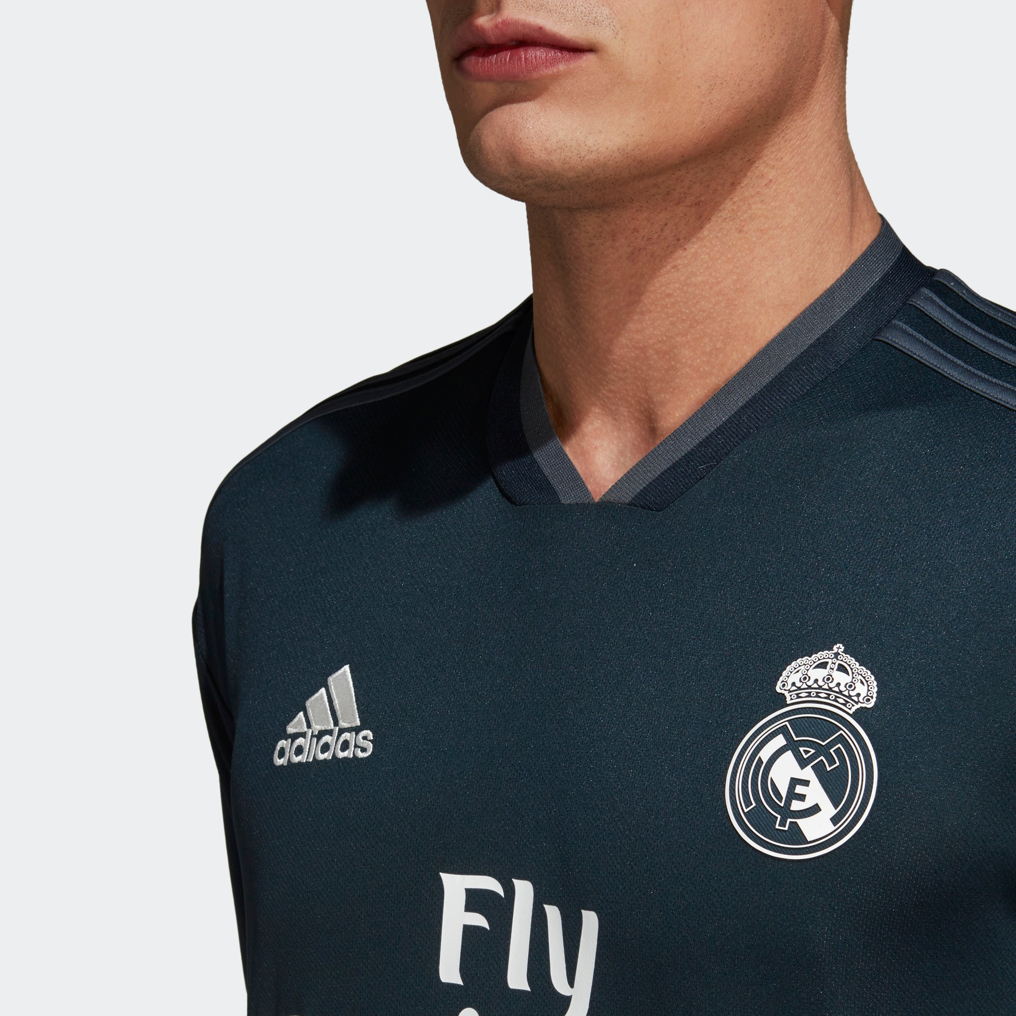 wholesale dealer 64b0d 8542e Men's adidas Real Madrid Away Replica Jersey
