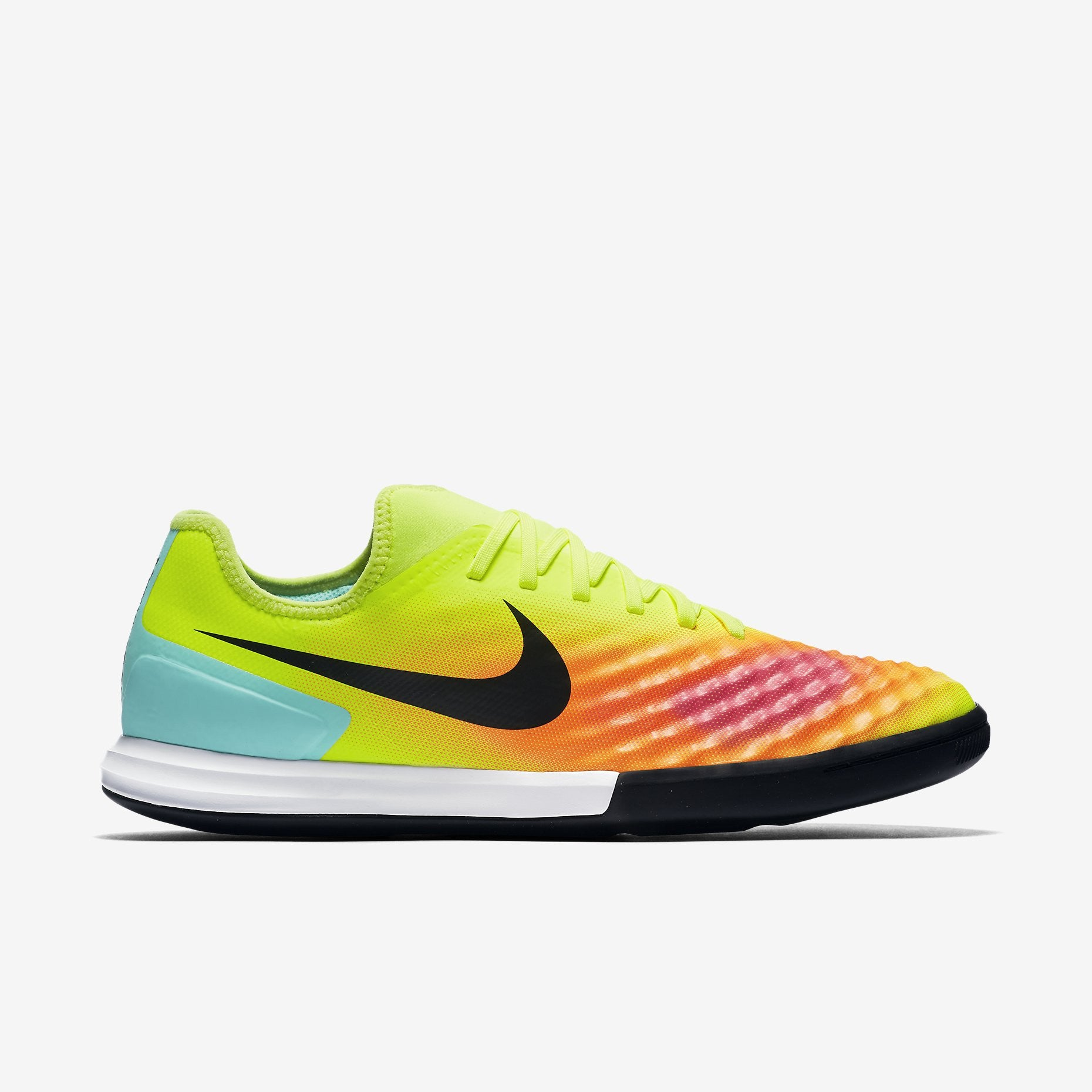 Nike - Nike Men s MagistaX Finale II Indoor-Competition Football - La Liga  Soccer 75fbd6972