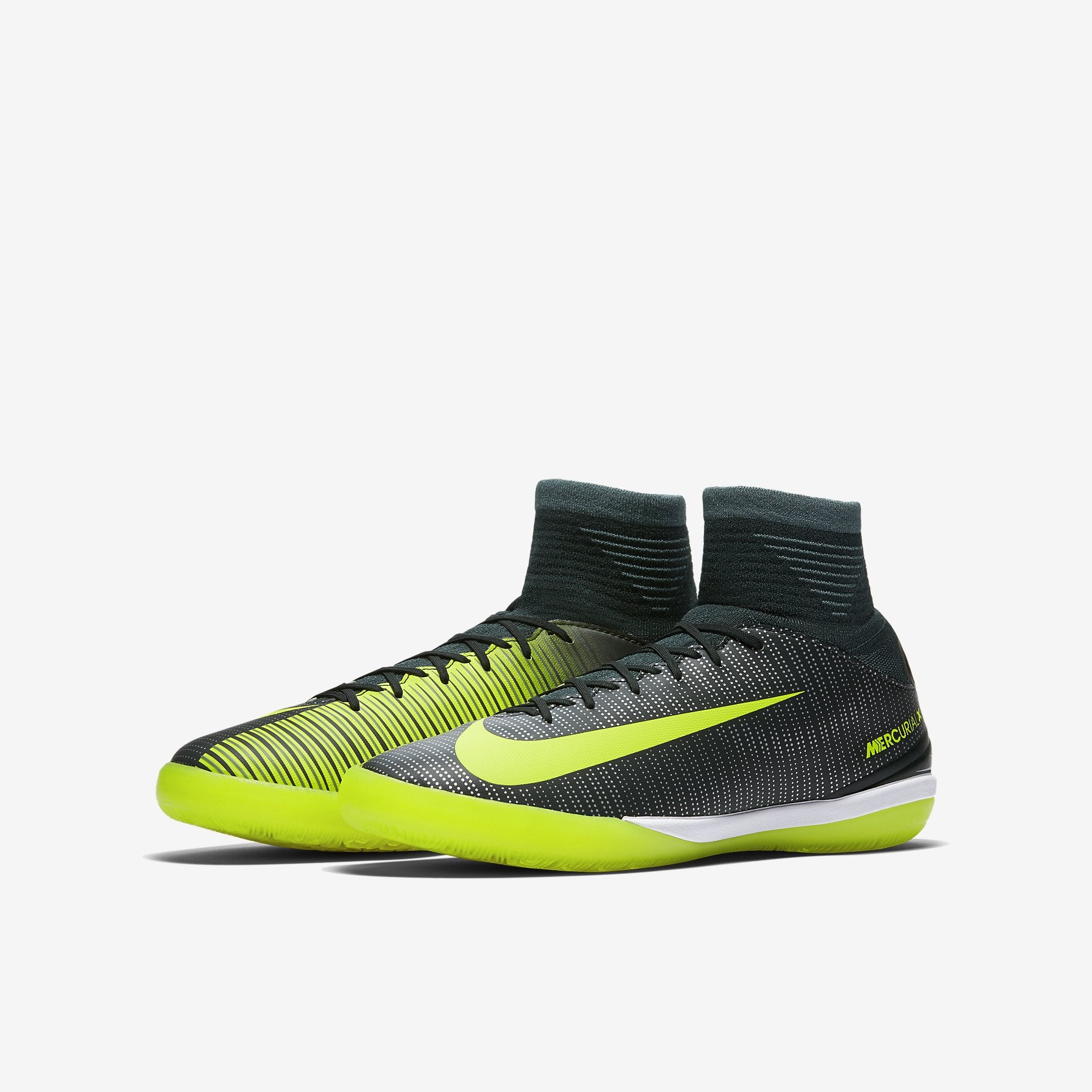 e3b574a8bf9b ... reduced nike nike junior mercurialx proximo ii cr7 ic la liga soccer  fc08e 0a401