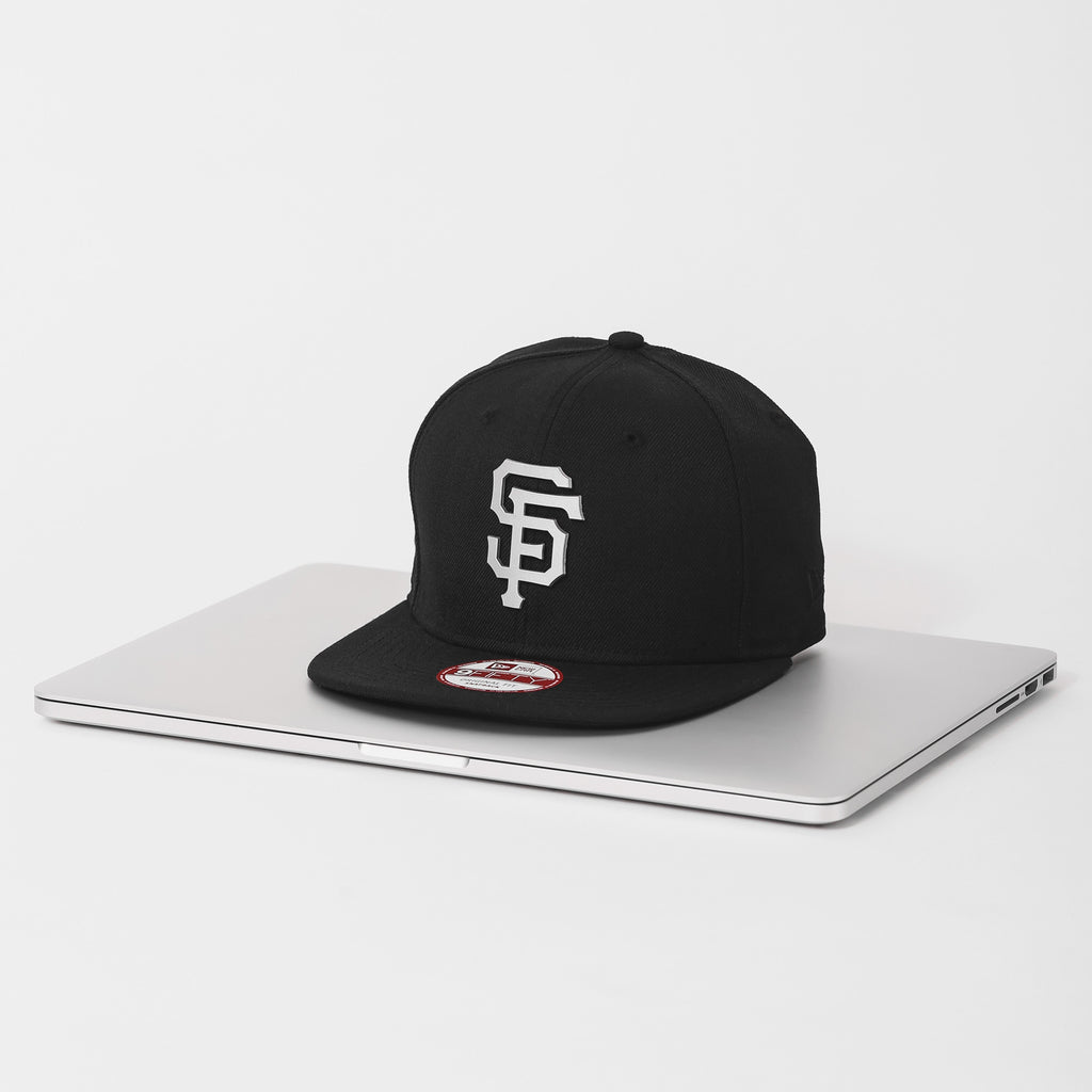 New Era Aluminium 'MacBook Pro' Snapback