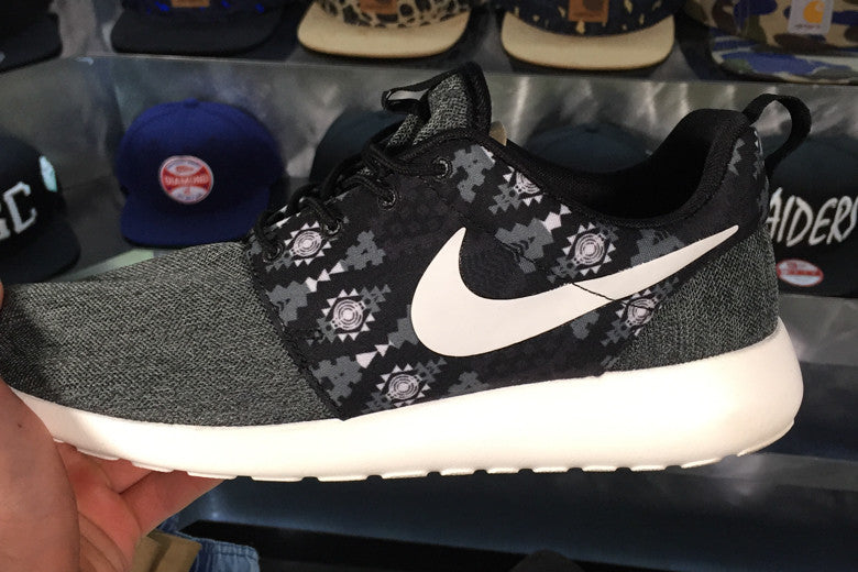 Nike Roshe One 'Tribal Anthracite'