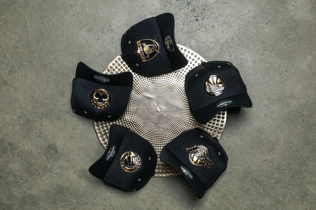 Cop A Mitchell & Ness Black/Gold 110 Snapback