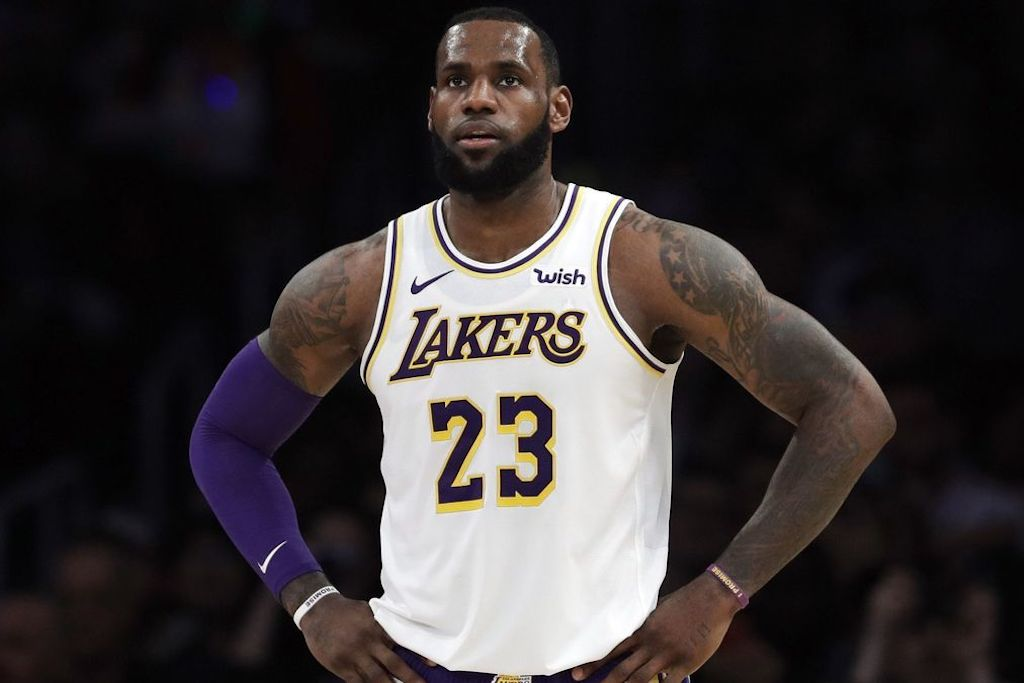"Lakers Have ""Lost Trust"" In LeBron After Davis Trade Talks"