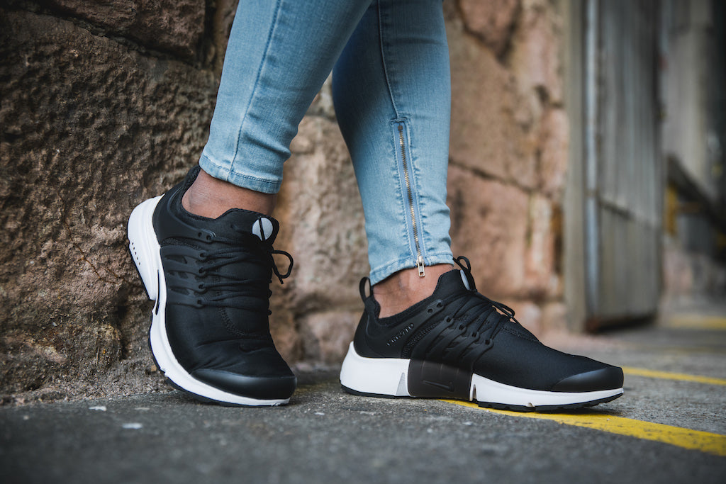 official photos 064a1 9289f Stick With Monochrome In Nike Air Presto Essential – Culture Kings
