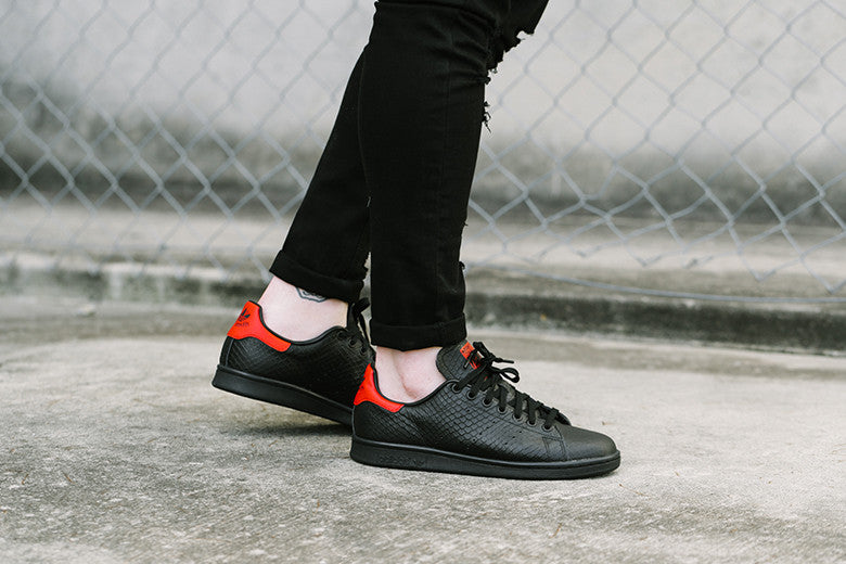 huge selection of 377ad 7002a adidas Originals Stan Smith Black/Scarlet – Culture Kings