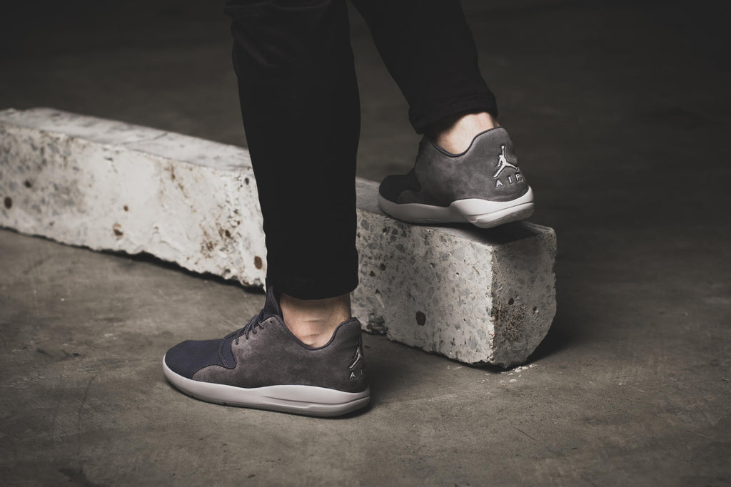 Jordan Eclipse Leather grey