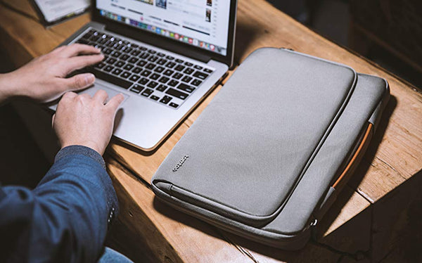 "A14-D01 360° Protective Laptop Sleeve for 14-15"" Laptop - 1HomeShop.sg"