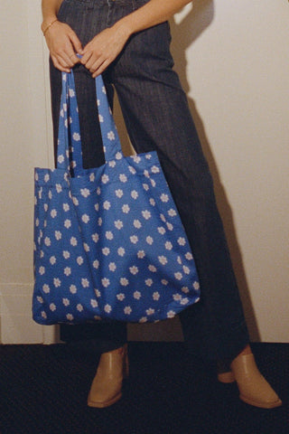 Lykke XXL Floral Tote ~ Blue