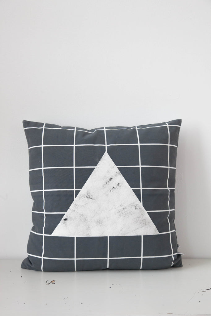 Cushion cover Line and Gleam Stone by Lilesadi
