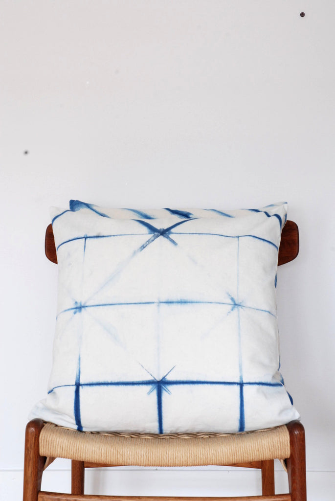 Indigo Shibori 20'' square pillow cover - triangle ambiance