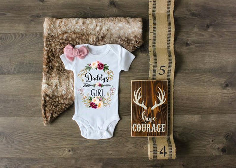 Cute Daddy's Girl Onesie - Father Day Gift For New Parents - Gift For Dad From Wife, Mom, Mother In Law