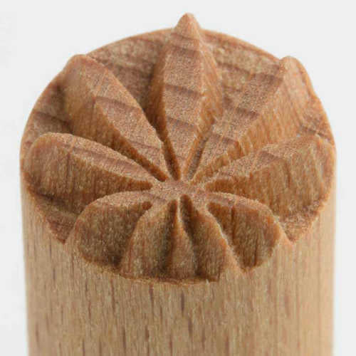 MKM Tools Scs058 Small Round Stamp - Hemp Leaf
