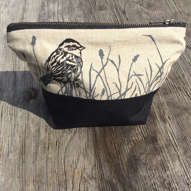 Wildlife Illustration Travel/Wash Bag - Bird in Grass