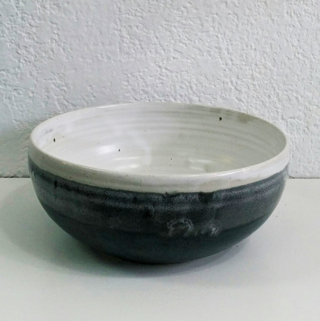 Pottery Fruit/Salad Bowl Md45