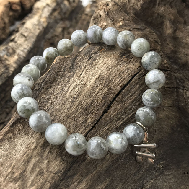 Stone Bracelet - Grey Quartz with Sterling Silver Inukshuk Charm