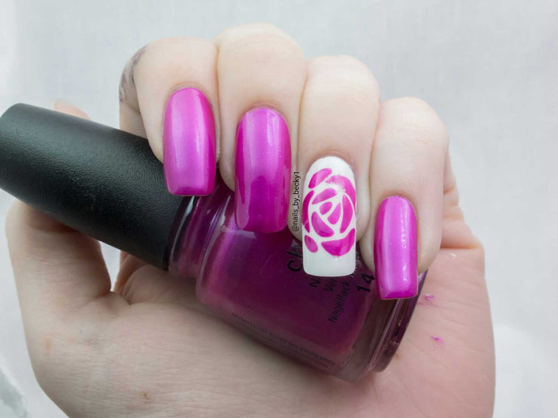 32 Nail Stencils style 110