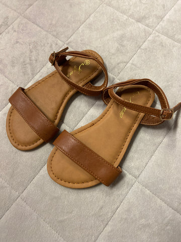 Unused Iynx Sandals, Size 12