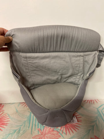 ErgoBaby Easy Snug Infant Insert, Light Grey