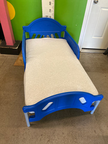 Plastic/Metal Toddler Bed