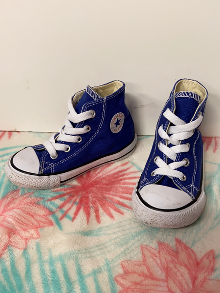 Converse Hightop Shoes, Size 7
