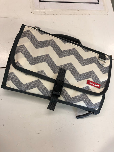 Skip Hop Travel Diaper Changer, Chevron
