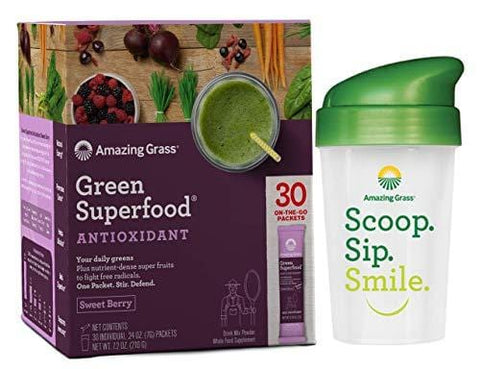 Amazing Grass Green Superfood Sweet Berry Antioxidant Natural Organic Smoothie | Detox cleanse weight loss | Elderberry, Wheatgrass, and 7 Super Greens | 30 Count Packets | Bonus Shaker Cup