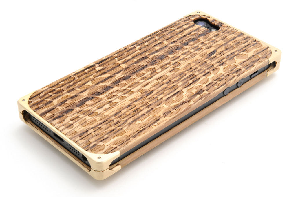 Leopard skin engraving on EXOvault iPhone case