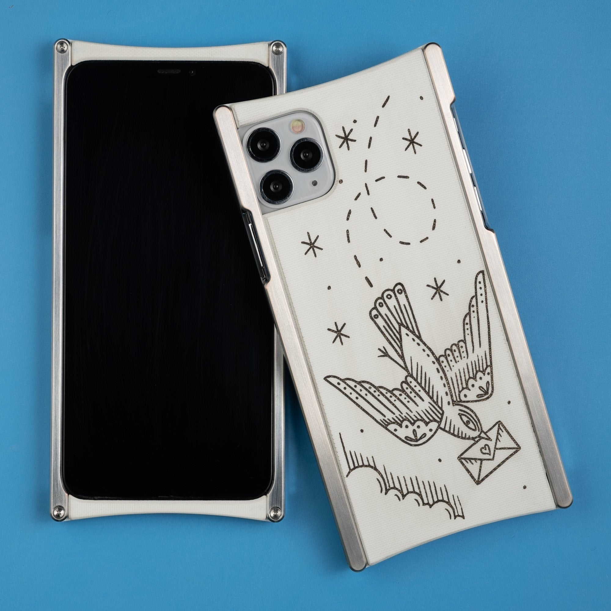 Duke Riley, Carrier Pigeon, Edition Europa case in Heritage Nickel and White G10