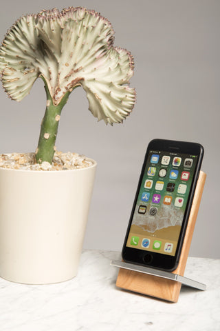 Silver Maple Wireless Charging Stand for Kickstarter backers