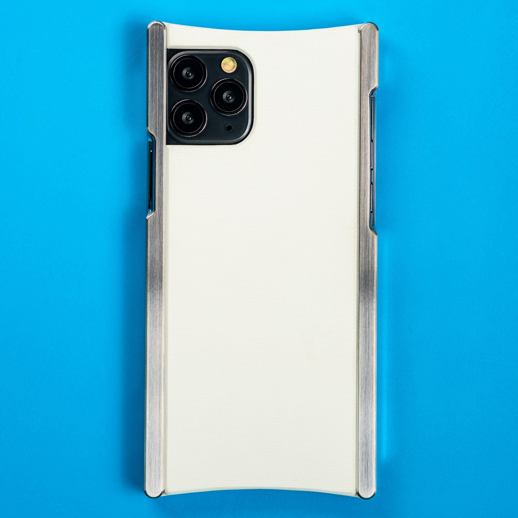 Europa case in Heritage Nickel and White G10 for iPhone 11 Pro