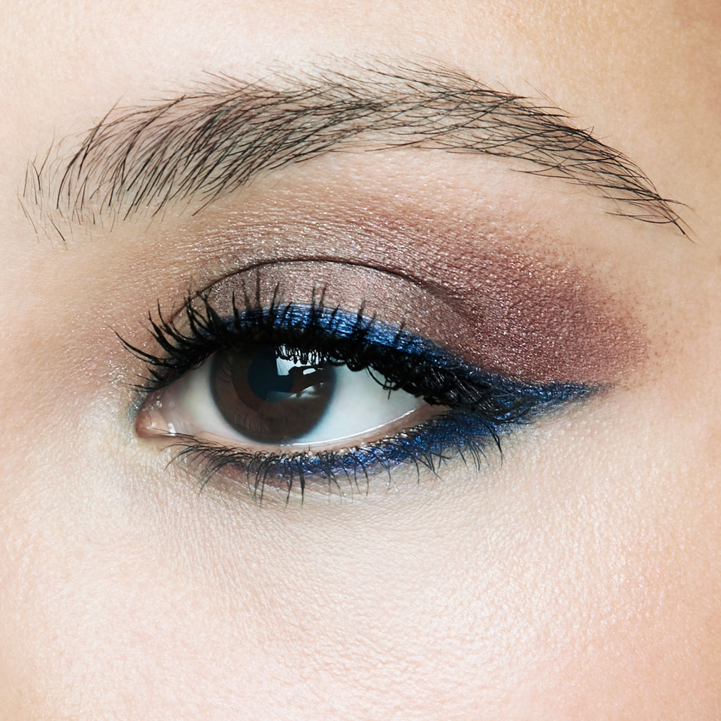 GOODBYE, BLACK EYELINER. HELLO HOT TREND, NAVY EYELINER