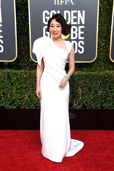 Sandra Oh Golden Globes Red Carpet bow trend by David Peck
