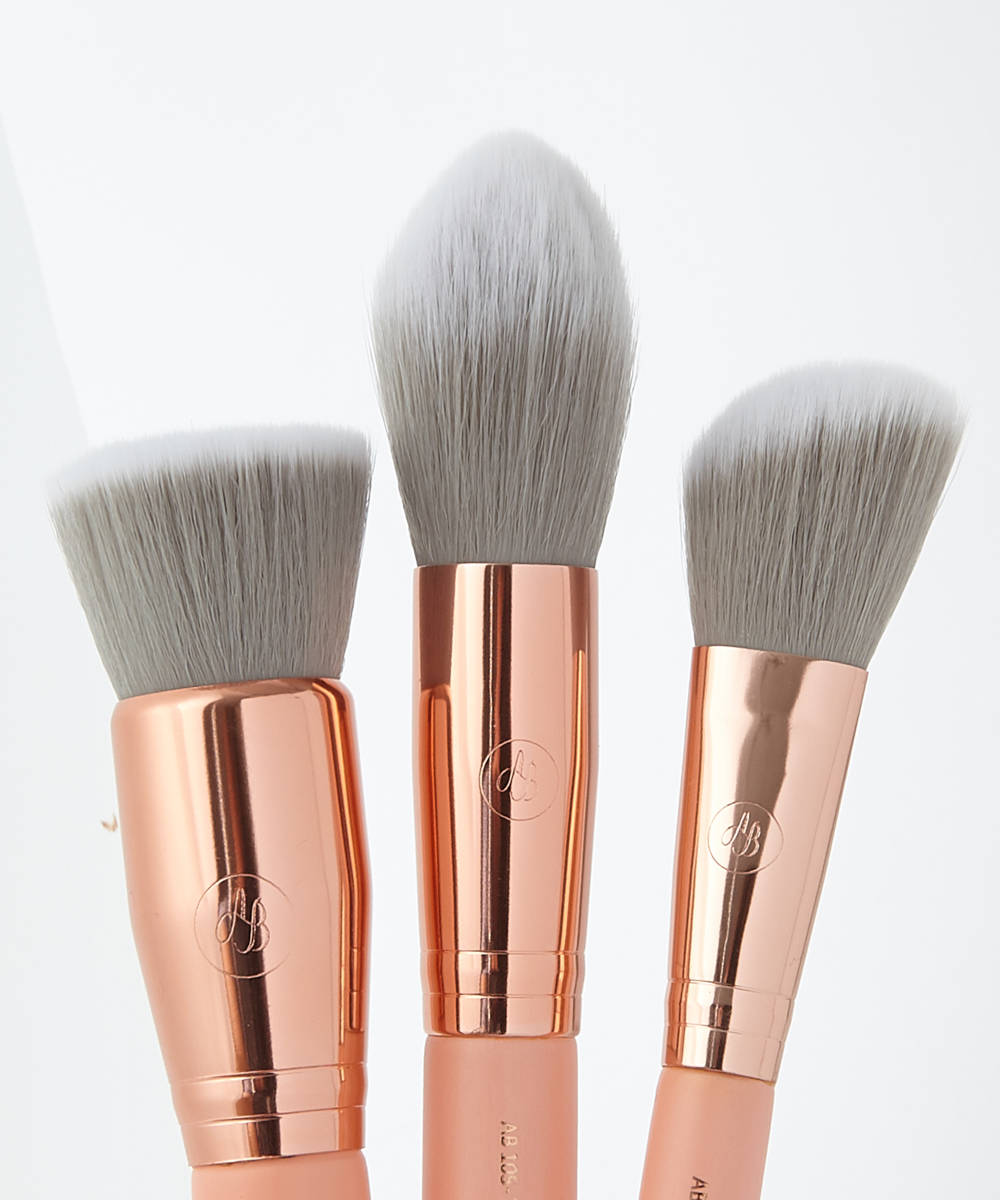 8 piece Brush Set + Velvet Pouch