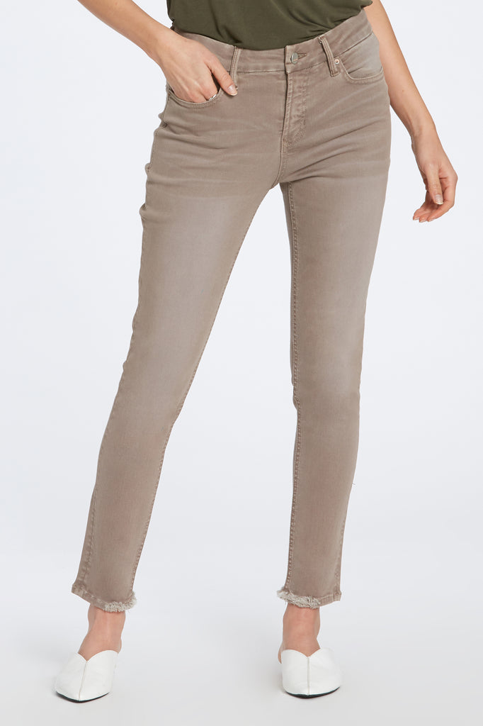 "9 1/2"" HIGH RISE GISELE JEANS IN HAZELWOOD"
