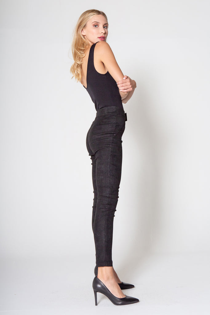 "11"" SUPER HIGH RISE NINA LEGGING IN BLACK SNAKE"